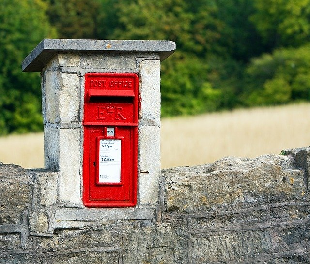 Image of a postbox